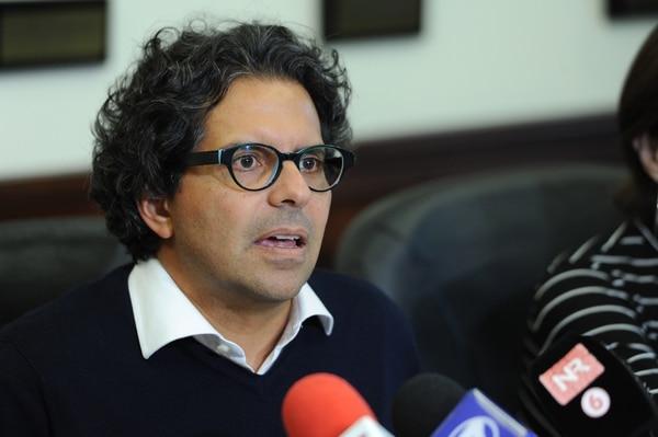 Édgar Mora, ministro de Educación, dio un balance de asistencia de este lunes. Foto: Melissa Fernández
