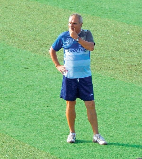 Mario Silva dirigió a Limón en seis juegos y logró un triunfo. | R. MARTIN