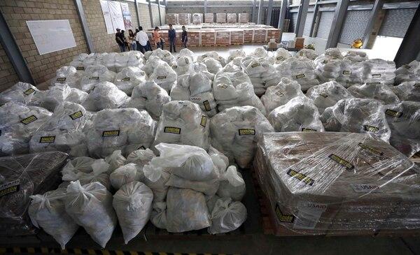 Ayuda humanitaria para Venezuela almacenada en una bodega en las afueras de Cúcuta, Colombia. Foto: AP