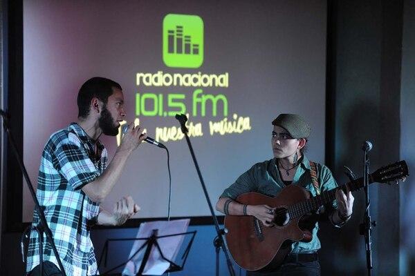 La emisora perteneciente al Sinart Radio Nacional 101.5 FM presentó esta noche de forma oficial su relanzamiento al público.