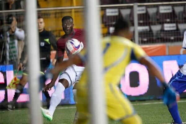 Jordan Smith fue titular el pasado miércoles en el juego que disputó la S ante Pérez Zeledón en el estadio Ricardo Saprissa. Anotó un gol de penal e insistió en el juego por la banda derecha. | RAFAEL PACHECO