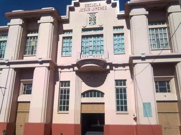 La educadora laboraba en la escuela Jesús Jiménez, en el centro de Cartago.