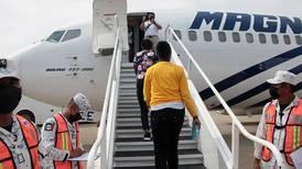 México empieza vuelos de repatriación voluntaria de migrantes haitianos