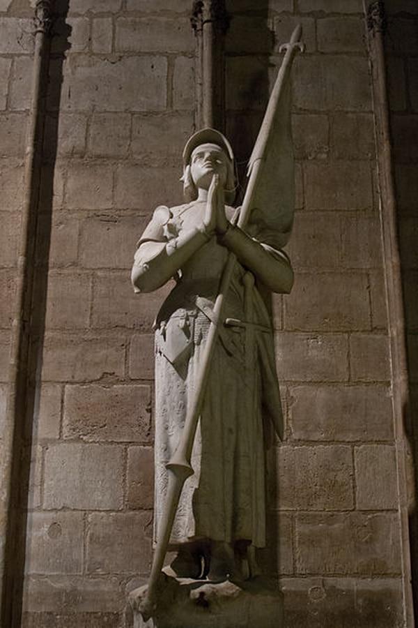 Estatua de Juana de Arco. Wikimedia Commons