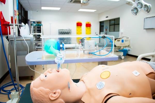 El respirador del Instituto Tecnológico de Costa Rica (Tec) ya pasó las primeras pruebas en simuladores y se dispone a realizar experimentación en cerdos. Fotografía: Cortesía Tec