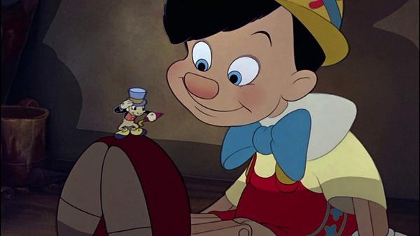 Pepito Grillo se convierte en la conciencia de Pinocho. Foto: Walt Disney Productions.
