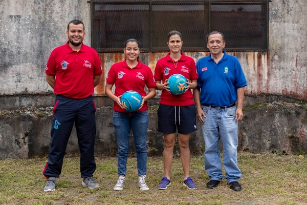 Alejandro Solano, Hazel Blandón, Jacqueline Acuña y el entrenador José Luis Monge (de izq. a der.), asistieron al Mundial que se realizó el año pasado en México. Fotografía: José Cordero