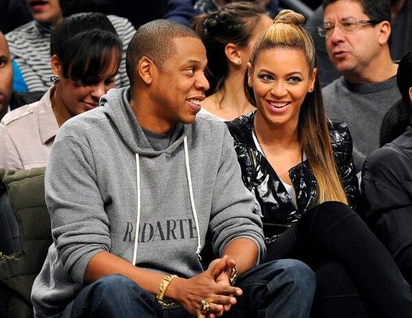 Jay-Z y su esposa, la también cantante Beyoncé, son considerados como una de las parejas más influyentes de la industria del entretenimiento en los Estados Unidos. Fotografía: AP