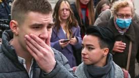 Estudiante mata al menos a seis personas en un tiroteo en una universidad de Rusia