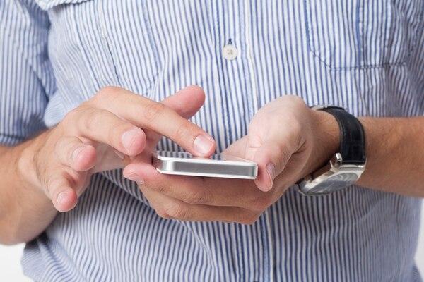 Los investigadores analizaron 17.000 aplicaciones que solicitaran, entre sus permisos, acceso a la cámara o al micrófono y que estuvieran disponibles en sitios como: Google Play, AppChina, Mi.com y Anzhi.