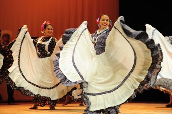 Las 50 agrupaciones que se presentan en el Danzatón 2016, llegarán de todo el país.