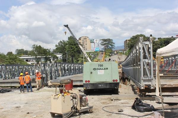 Dos de los cuatro puentes ya están listos en el sector del hundimiento.