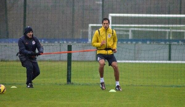 Celso Borges en una práctica de su equipo, el Deportivo. | ARCHIVO
