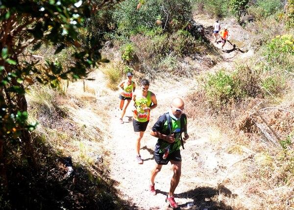 La exigencia en el ascenso y lo peligroso del descenso hacen que la carrera del Chirripó sea única.   ARCHIVO