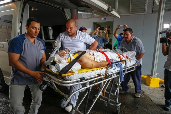 Henry Raabe ingresa al Hospital México tras accidentarse en la Vuelta a San Carlos. | MAYELA LÓPEZ