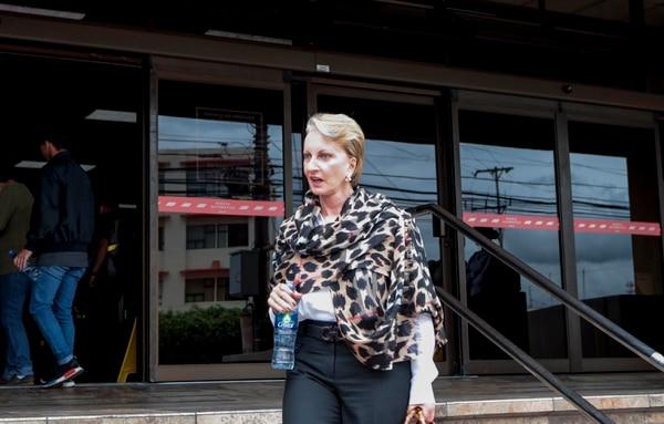 La exdefensora de los habitantes Ofelia Taitelbaum deberíair a juicio como sospechosa de cometer 39 delitos de uso de documento falso. foto Alonso Tenorio