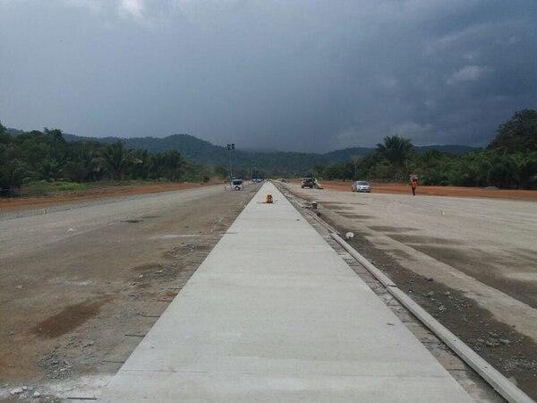La ampliación de la pista de Drake permitirá recibir aeronaves de mayor tamaño. Foto: Aviación Civil para LN.