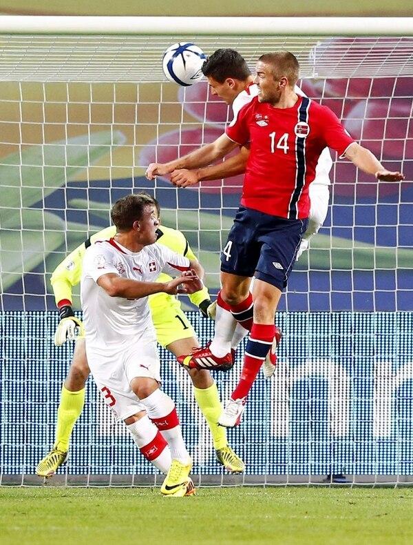 Fabian Schaer marcó los dos goles que sellaron el boleto de su selección.