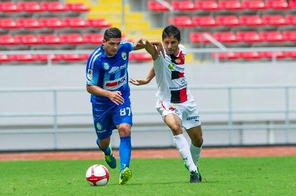Mauricio Montero con la marca de Luis Sequeira. | JOSÉ CORDERO