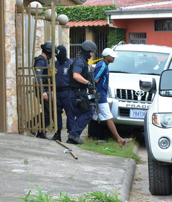 La banda fue desarticulada en un operativo simultáneo en el que participaron un centenar de agentes del OIJ y la PCD. En Puntarenas cayeron los cabecillas.