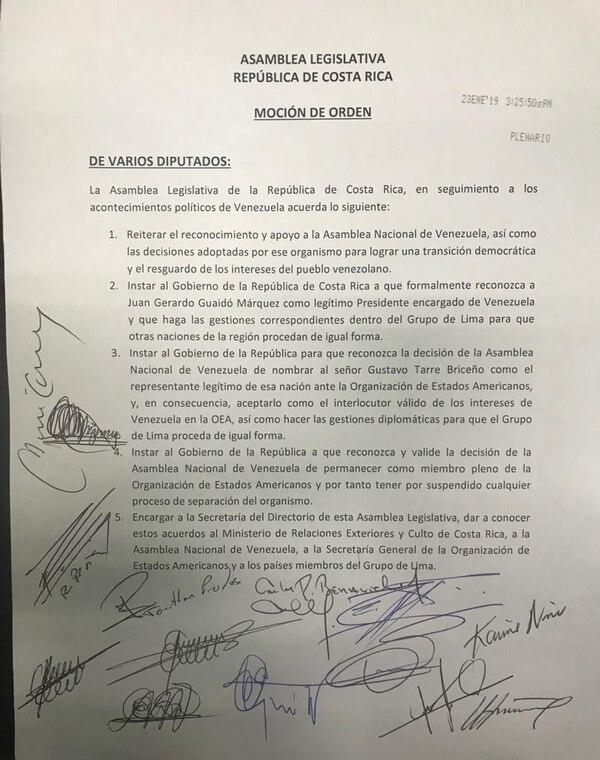 Con esta moción de orden, 40 diputados avalaron la proclamación en que Juan Guaidó se declaró presidente encargado de Venezuela. Foto: Cortesía PLN, PRN, PNR.
