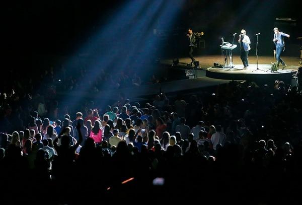 La asistencia al concierto se mantuvo nutrida durante todas las presentaciones.