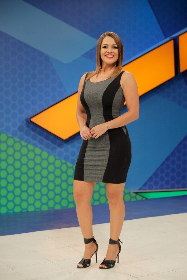 Gabriela Jiménez es panelista de 'Conexión fútbol'. Fotografía: Jeffrey Zamora.