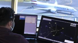Torres de control están en jaque por el repunte del tráfico aéreo
