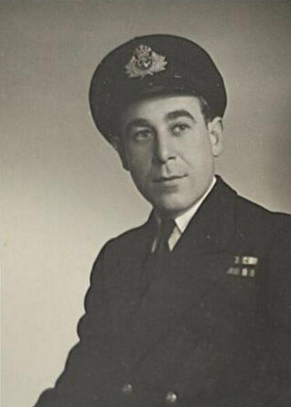 Durante la Segunda Guerra Mundial, el británico fue parte de la Marina Real.