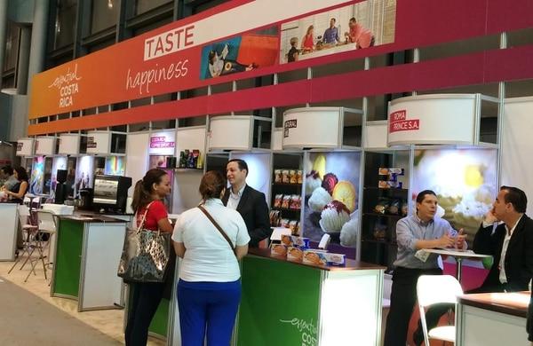 """El stand nacional se presenta con la marca país 'Esencial Costa Rica y con el concepto """"Pruebe la felicidad"""" (Taste happiness)."""