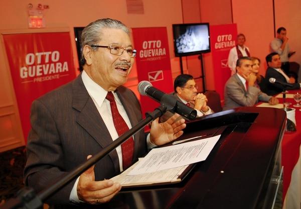 Marvin Herrera, quien fue ministro de Educación durante la administración de Rafael Ángel Calderón Fournier (1990-1994), hace un año le había dado la adhesión al candidato libertario, Otto Guevara, previo a las elecciones del 2014, junto a otros socialcristianos.
