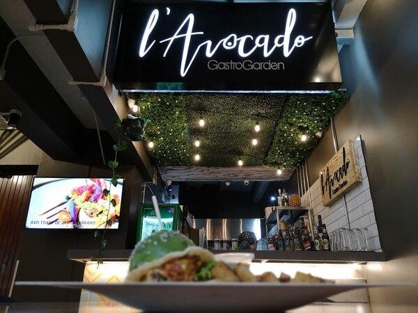 L'Avocado es una de las sensaciones de Amor De Barrio, al contar con hamburguesas, ensaladas, bowls y tostadas donde el aguacate es la estrella. Foto: Osvaldo Calderón