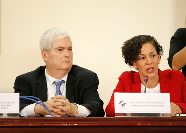 """Marín dijo que el gobierno """"observará"""" lo emitido por los diputados, y recordó que la democracia costarricense opera bajo el principio de división de poderes. Foto: Albert Marín."""