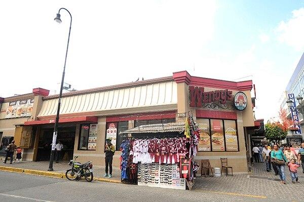 El cierre definitivo de Wendy's en el país se valora desde hace un año, dijo la empresa. El restraurante de la Avenida Central, San José, cerrará definitivamente este jueves a las 11 p.m.