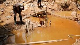 Coligalleros metieron dos toneladas de peligroso químico para extraer oro de Crucitas