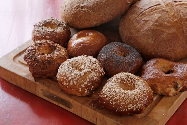 Fotografías de la panadería y repostería Whisk en Zapote, San José. Muestra de los panes artesanales y la repostería. Foto: Albert Marín / Grupo Nación