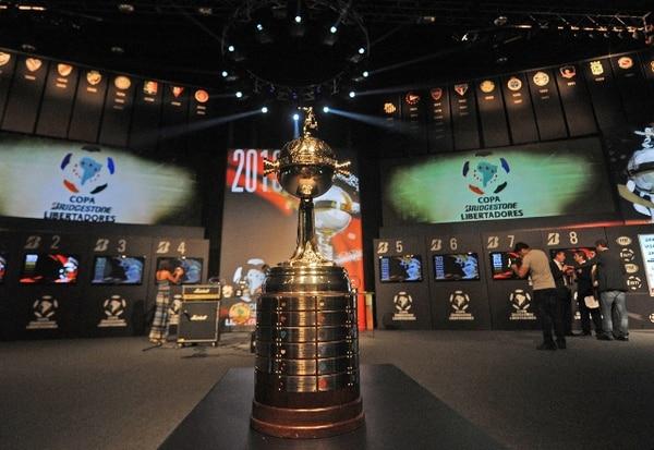 El sorteo de la Copa Libertadores 2013 se realizó hoy en Asunción, Paraguay.   AFP