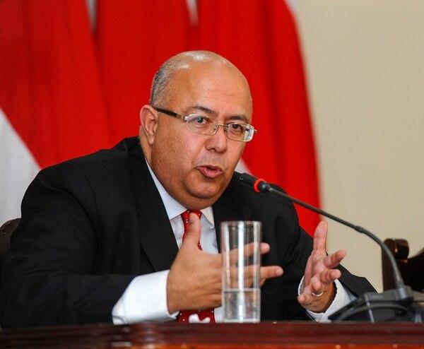 Carlos Roverssi acompañará a la presidenta en Europa.   ARCHIVO