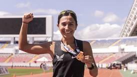Atleta corrió por primera vez en el Estadio Nacional y batió un récord de 30 años