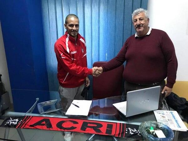 Gilberto Martínez vuelve a la competición, ahora con el F.C. Calcio Acri. Fotografía: Facebook del F.C. Calcio Acri