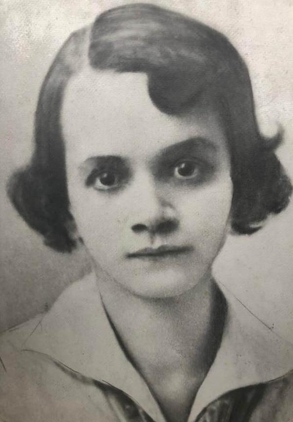 La joven María Isabel Carvajal. Ella se graduó del Colegio Superior de Señoritas como maestra y dio clases en la Escuela Normal. Foto: Cortesía de Gabriel Quesada.