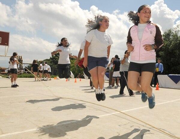 Jugar al aire libre es beneficioso para cualquier edad. | Foto con fines ilustrativos