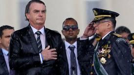 Bolsonaro sustituye a la cúpula militar de Brasil en medio de crisis política