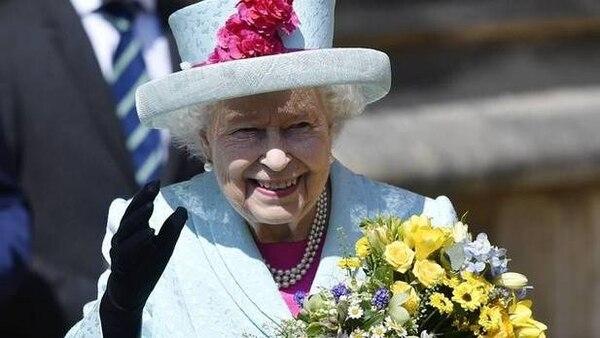 Según un portavoz del palacio de Buckingham, la reina Isabel II se encontraba en las instalaciones del lugar al momento de la detención del intruso. Fotografía: Archivo