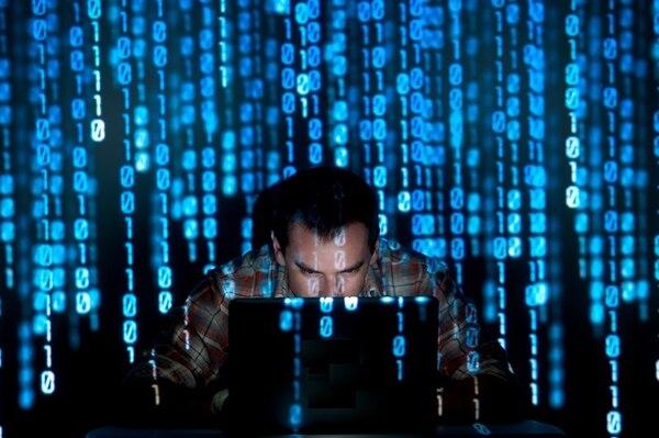 Para espiarlo y acceder a su información confidencial, los cibercriminales usan un dispositivo llamado Piña wifi (Wi-Fi pineapple, en inglés), un método viejo para robar datos, pero muy conocido en el mercado de tecnología.