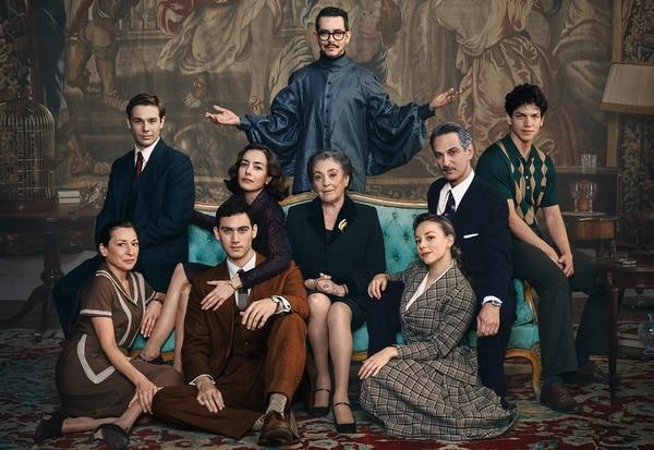 Manolo Caro afirma que el elenco de su nueva serie es de ensueño, con actores icónicos y reconocidos por su trabajo en el set. Foto: Netflix para LN.