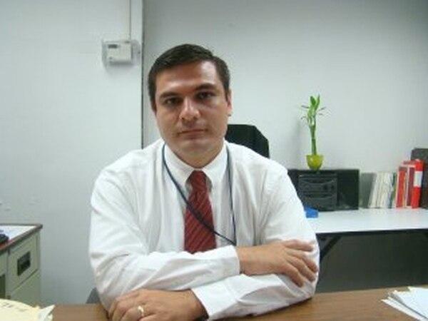 El jefe de la Dirección de Servicios de Seguridad Privados del Ministerio de Seguridad, Andrés Olsen, indicó que 22.453 agentes de seguridad laboran con su licencia vencida. | ARCHIVO LN.