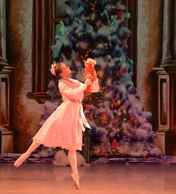 Arianne Dietrizh es una de las bailarinas que interpretará a Clara. Foto: Carlos González