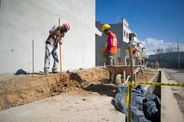 La construcción reportó un repunto en los últimos tres meses del 2016, luego de pasar la mayor parte del año en terreno negativo, según datos del Banco Central.