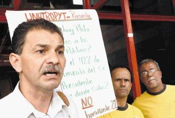Édgar Morales, asesor del Sindicato de Trabajadores.   ARCHIVO.